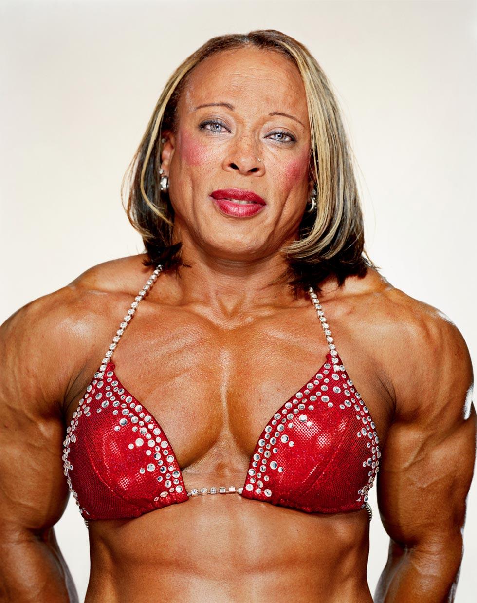Самая сильная женщина в мире 23 фотография
