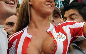 Paraguay y la hinchada más esférica de la Copa