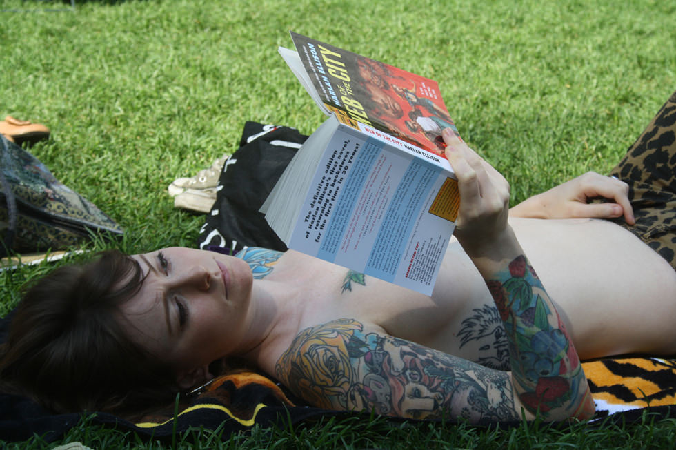 chilena de suicide girls blackberry y unas intelectuales
