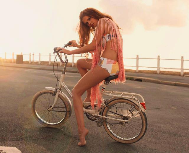 erotismo-bicicleta-01