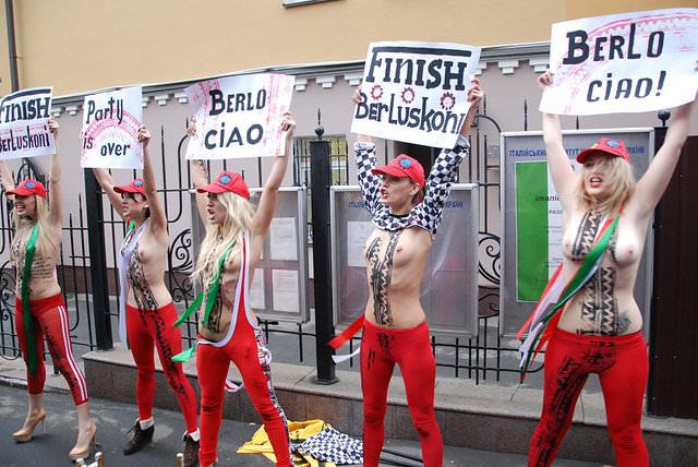 femen-berlusconi-03