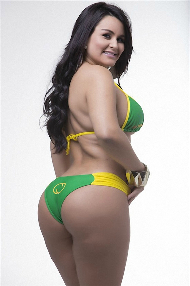 Miss-Bumbum-2015-11-small.jpg