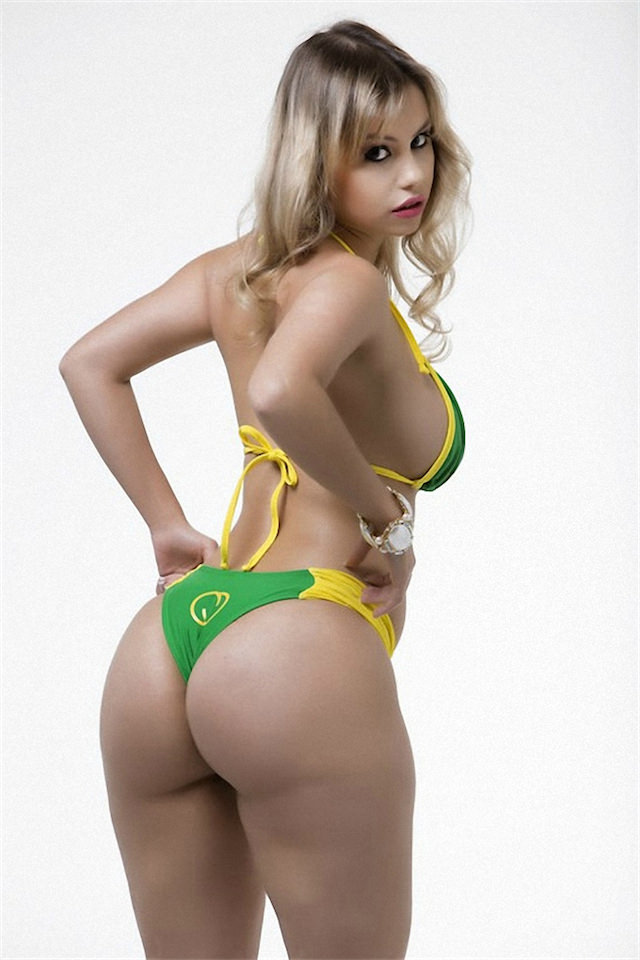 Miss-Bumbum-2015-12-small.jpg