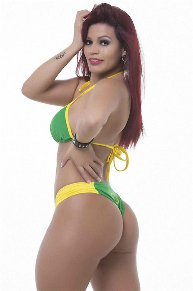 Miss-Bumbum-2015-14-small.jpg