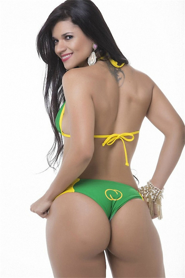 Miss-Bumbum-2015-15-small.jpg