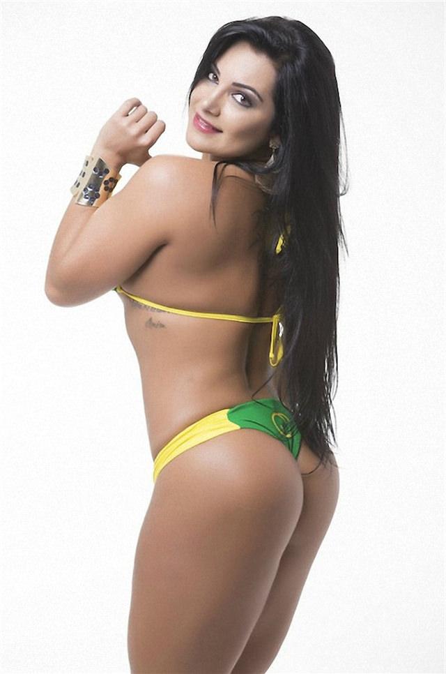 Miss-Bumbum-2015-23-small.jpg
