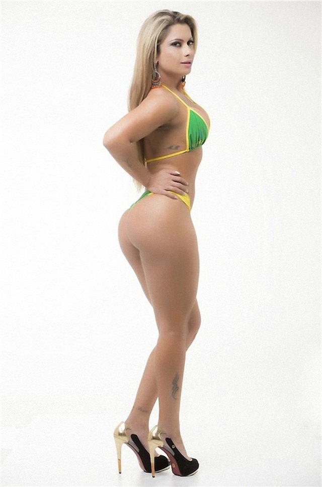 Miss-Bumbum-2015-25-small.jpg
