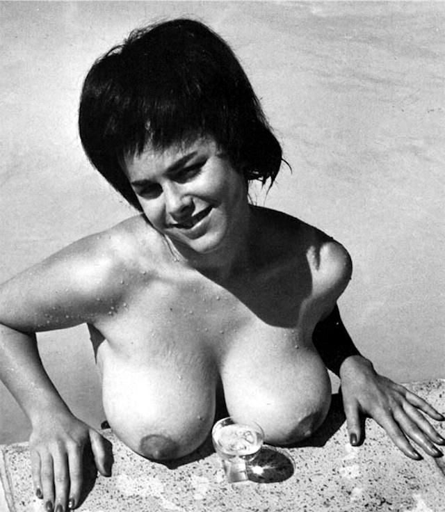 La crema para el aumento de los pechos en astane