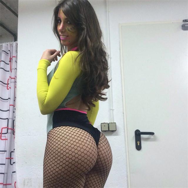 Rico culito de esta colombiana - 1 2