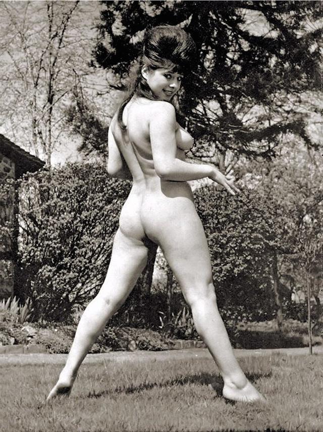 Margaret nolan vera novak vintage naturist clip - 1 5