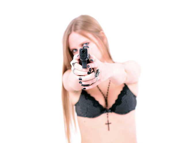 sexy-guns10